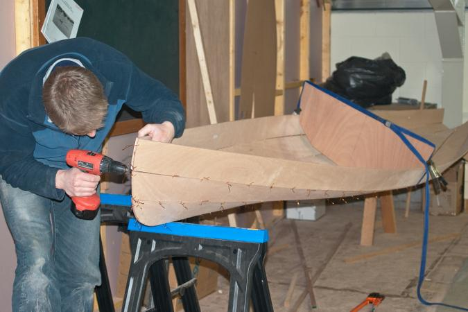 Building a wooden canoe does not need specialist equipment