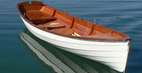Clinker rowing boat built from a fyne boat kit