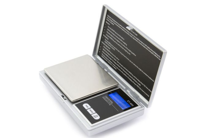 Digital scales for accurately weighing epoxy resin and activator for mixing in the correct ratio