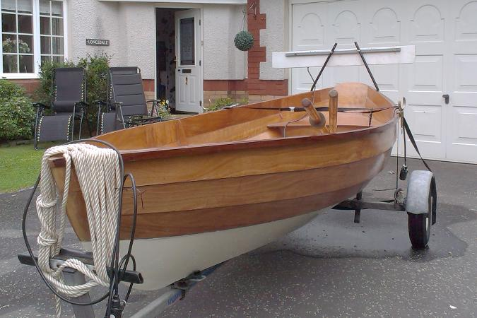 The Dinky Dory, a very light clinker-style wooden rowing boat