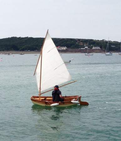 Sailing the clinker-style Eastport Pram