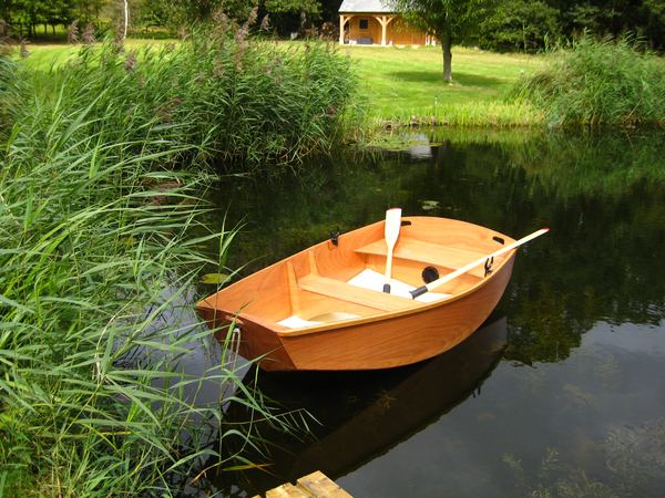 Beautiful rowing boat built from a Fyne Boat Kit