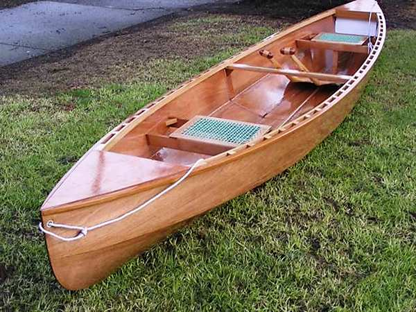 Eureka is a lightweight classic touring canoe designed by Michael Storer