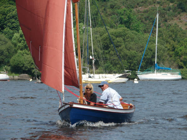 Do it yourself clinker sailing dinghy with bowsprit