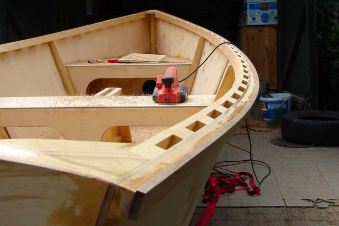 Building the Goat Island Skiff, a simple wooden sailing boat with modern performance