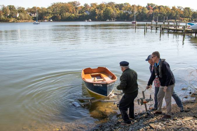 Launching the Jimmy Skiff II rowing, motoring and sailing boat built from a plywood kit