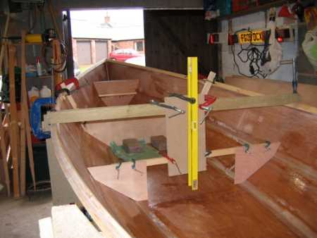 Building the Linnet rowing boat - Building the interior