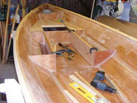 Building the Linnet rowing boat - Building the integral buoyancy tanks