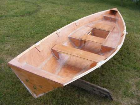 Building the Linnet rowing boat