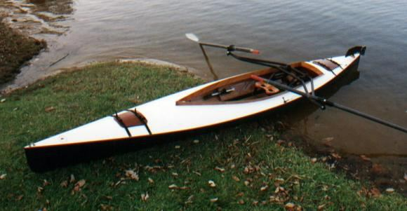 Fast rowing of a canoe with a sliding seat unit