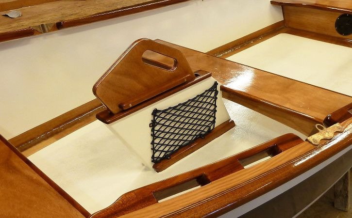 Net pocket installed on a Skiff board case