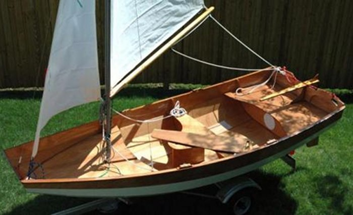 DIY sailing or rowing boat