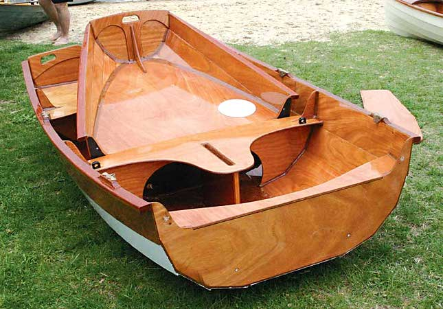 Take-apart Passagemaker sailing boat