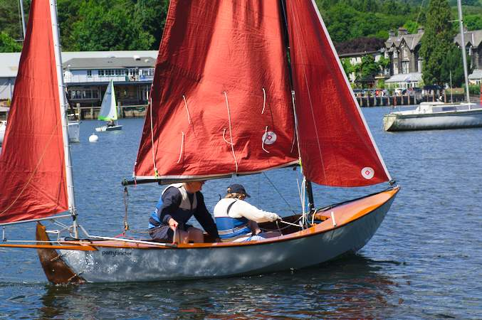 Colin's Pathfinder sailing in a light wind on Windermere