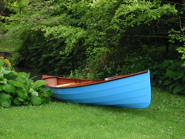 A Chesapeake Light Craft Sassafras canoe in blue