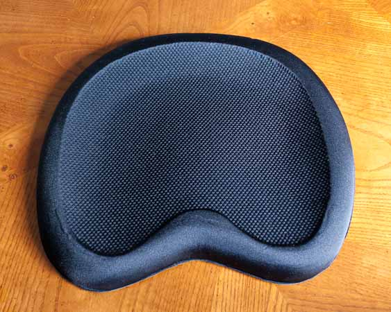 Moulded foam seat pad for a canoe or kayak