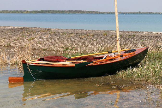 The Skerry Raid is a rowing and sailing boat for coastal expeditions