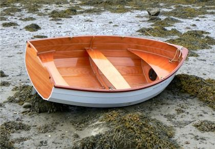 The Stem Dinghy has a small draught, ideal for shallow water