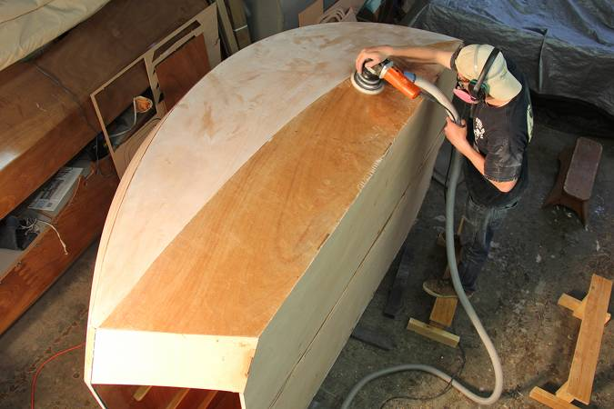 Sanding the outside of the teardrop caravan