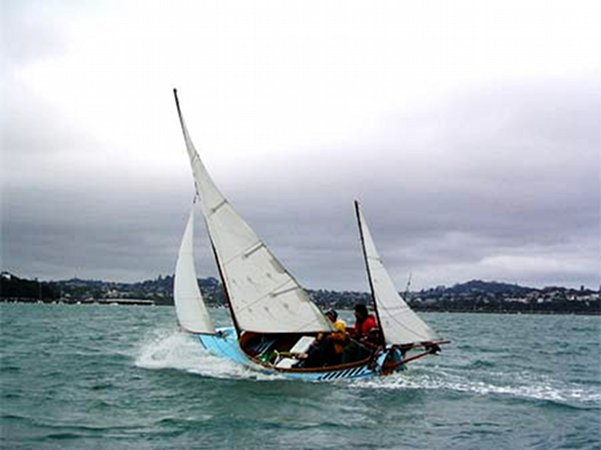 Sailing a Welsford Awol that has been built from plans supplied by Fyne Boats