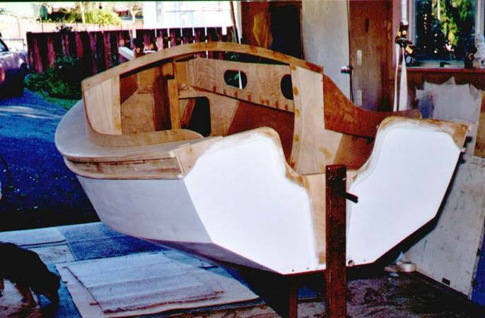 Building 13 foot Houdini sailing dinghy from Welsford