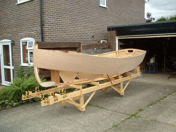 Building 13 foot Houdini sailing dinghy kit from Fyne Boat Kits