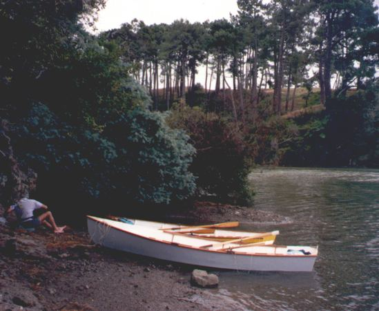 Seagull wooden rowing boat - make in a garage from plans