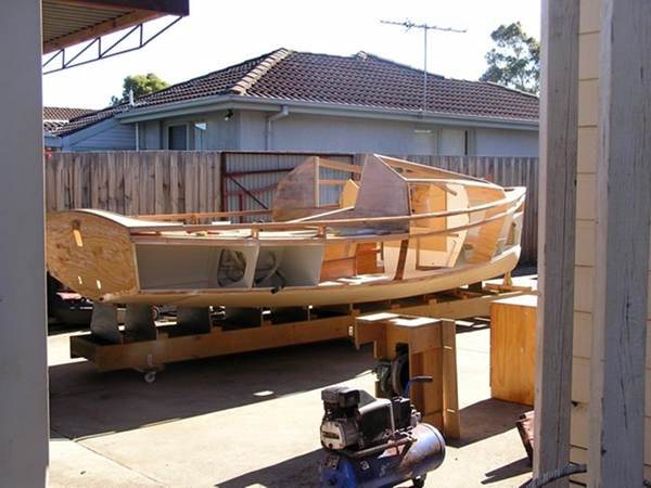 Building a sailing cabin cruiser at home