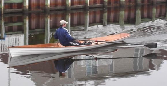 Fast to row lightweight wherry rowing boat