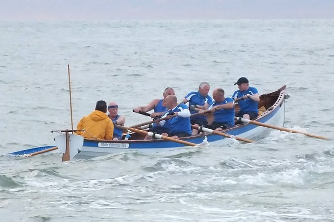 The Whitby Pilot Gig is a wooden racing boat for six-oared team rowing that is quick to build and based on a traditional Cornish Pilot Gig