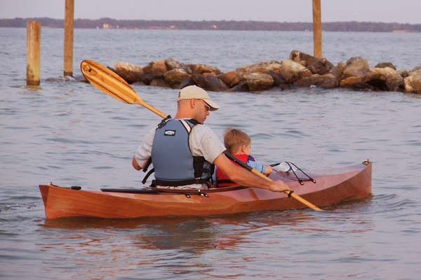 Kayak to carry a child as a passenger